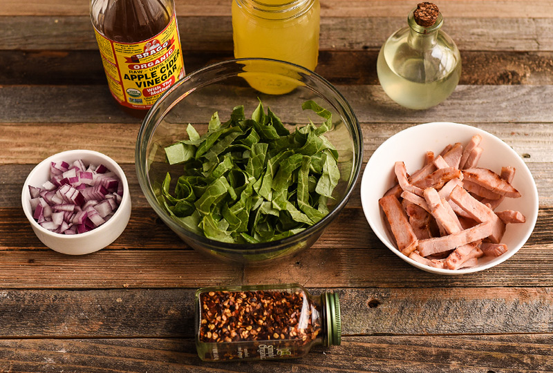 Ingredients to cook collard greens