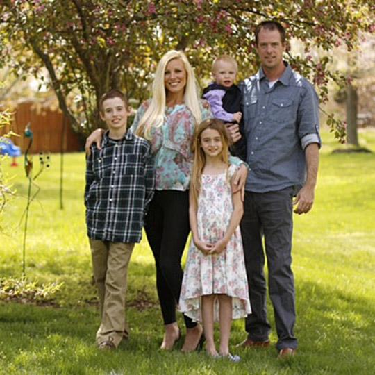 Penie white and family