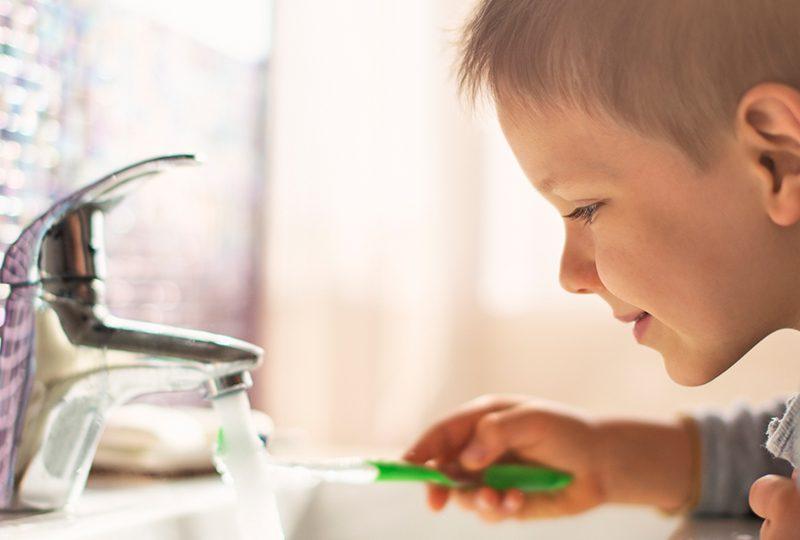 how to brush teeth correctly