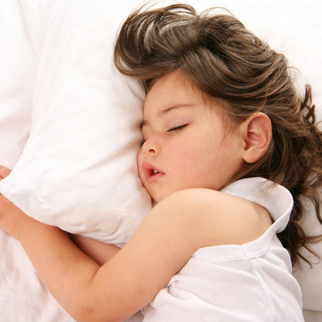 Getting kids to sleep during daylight