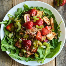 salad with chicken and strawberries